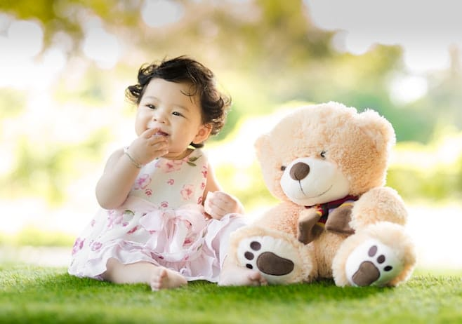 Tétine, Succion du Pouce du Bébé et Développement de la Dentition de l'Enfant