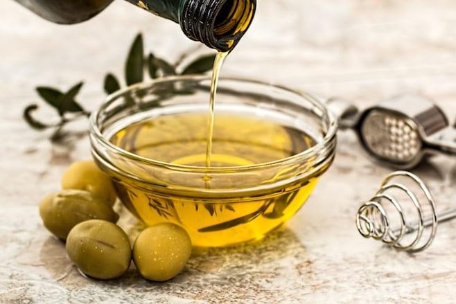 huile essentielle gencive